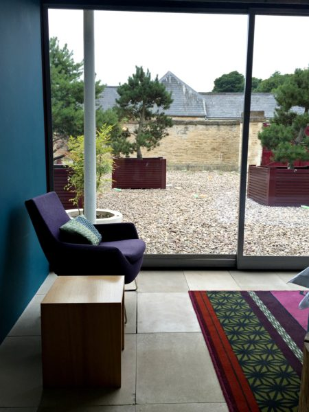 view-chair-garden-crop