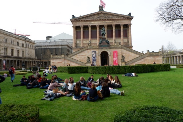 students on Museum Island - jenography