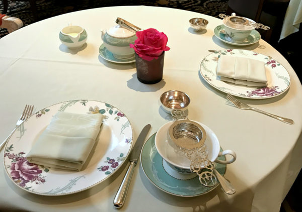 An elegant teatime table at the Savoy - jenography